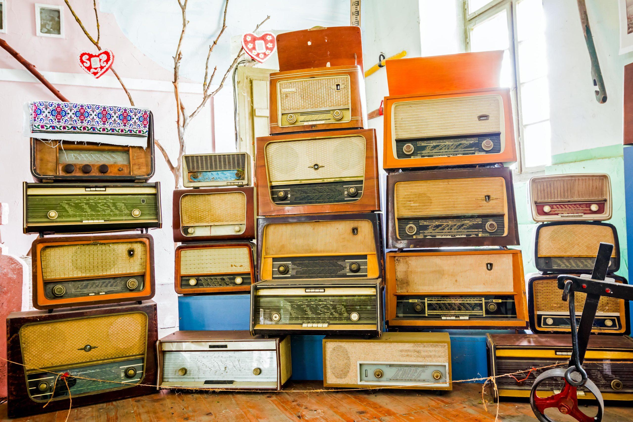 Verschiedene Radios